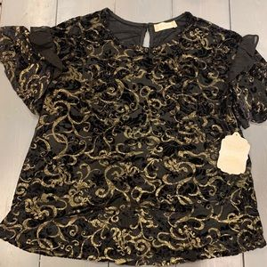 Altar'd State black and gold ruffle sleeve tshirt